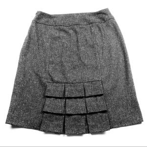 Larry Levine Stretch Charcoal Skirt size 6